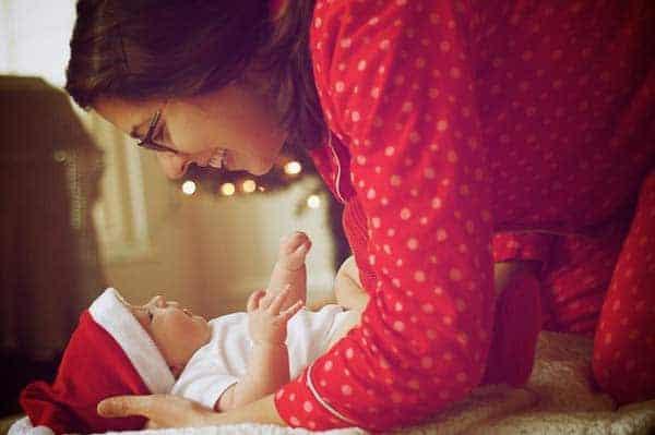 foto de un bebé en navidad