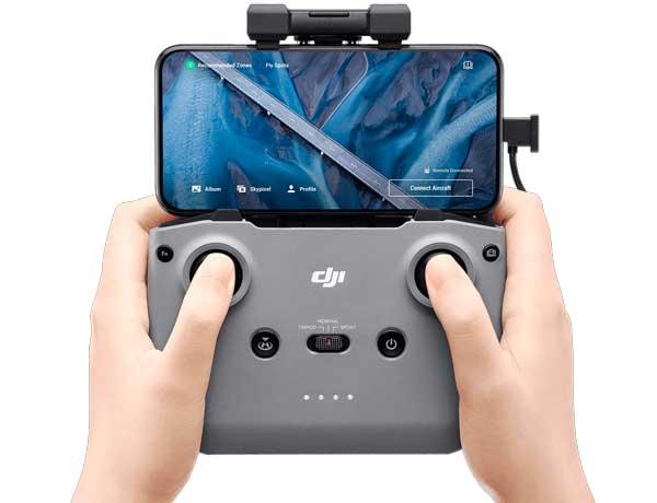 mando de control del dron mavic air 2, con teléfono móvil